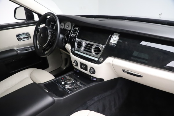 Used 2016 Rolls-Royce Ghost for sale $179,900 at Maserati of Greenwich in Greenwich CT 06830 18