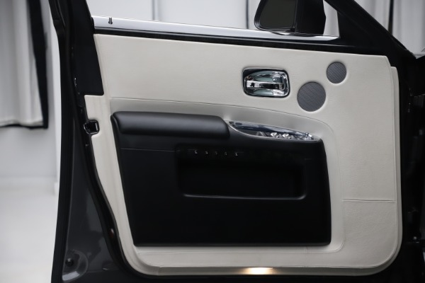 Used 2016 Rolls-Royce Ghost for sale $175,900 at Maserati of Greenwich in Greenwich CT 06830 24