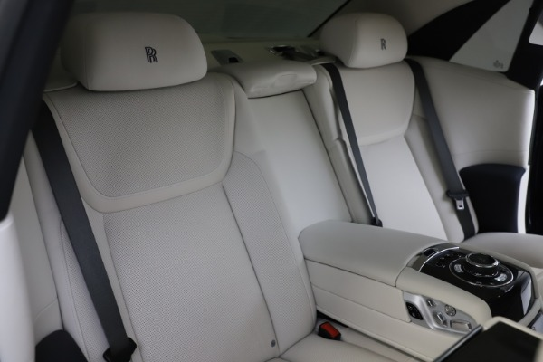 Used 2015 Rolls-Royce Ghost for sale $157,900 at Maserati of Greenwich in Greenwich CT 06830 18