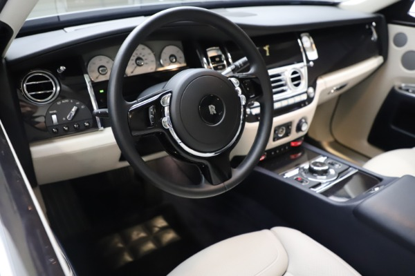 Used 2015 Rolls-Royce Ghost for sale $157,900 at Maserati of Greenwich in Greenwich CT 06830 19