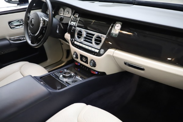 Used 2015 Rolls-Royce Ghost for sale $157,900 at Maserati of Greenwich in Greenwich CT 06830 20