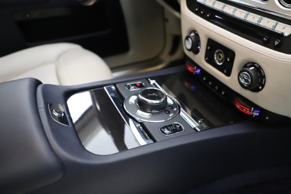 Used 2015 Rolls-Royce Ghost for sale $157,900 at Maserati of Greenwich in Greenwich CT 06830 22