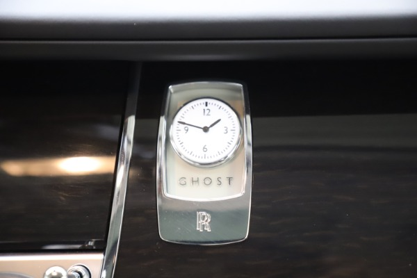 Used 2015 Rolls-Royce Ghost for sale $157,900 at Maserati of Greenwich in Greenwich CT 06830 24