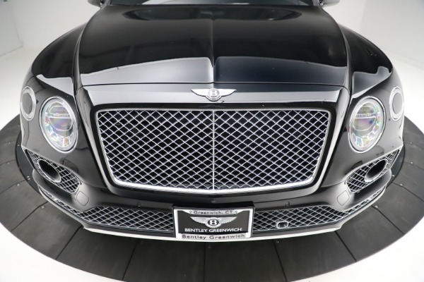 Used 2017 Bentley Bentayga W12 for sale $139,900 at Maserati of Greenwich in Greenwich CT 06830 13