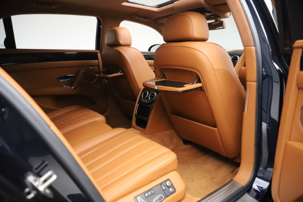 Used 2016 Bentley Flying Spur V8 for sale $114,900 at Maserati of Greenwich in Greenwich CT 06830 25