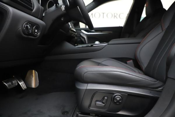 New 2020 Maserati Levante Q4 GranSport for sale $88,885 at Maserati of Greenwich in Greenwich CT 06830 14