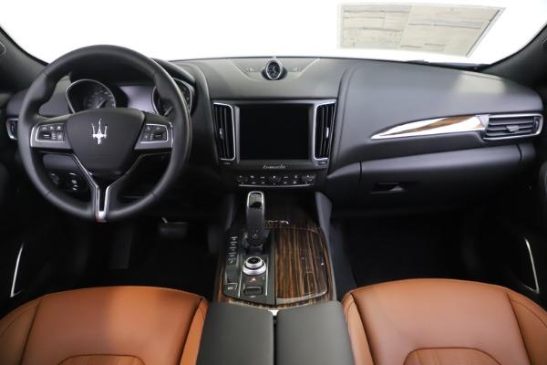 New 2020 Maserati Levante Q4 GranLusso for sale $86,935 at Maserati of Greenwich in Greenwich CT 06830 16