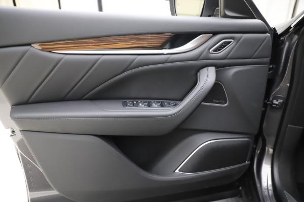 New 2020 Maserati Levante Q4 GranLusso for sale $86,935 at Maserati of Greenwich in Greenwich CT 06830 17