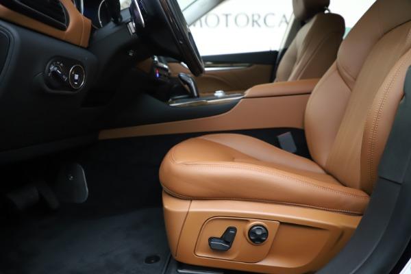 New 2020 Maserati Levante Q4 GranLusso for sale $87,335 at Maserati of Greenwich in Greenwich CT 06830 14
