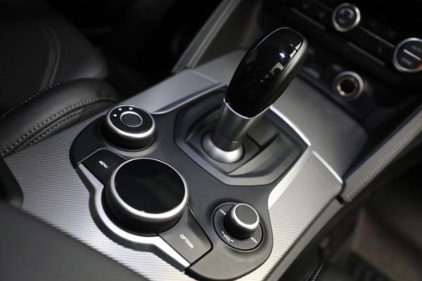 New 2019 Alfa Romeo Stelvio Ti Sport Q4 for sale Sold at Maserati of Greenwich in Greenwich CT 06830 28