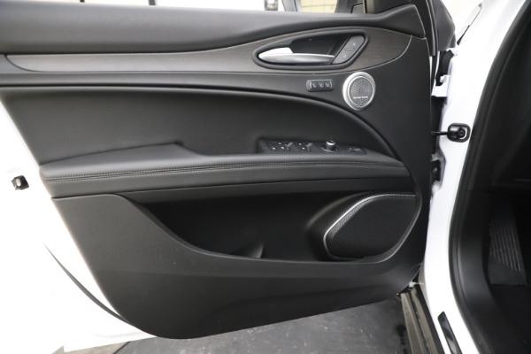 New 2019 Alfa Romeo Stelvio Ti Q4 for sale $51,490 at Maserati of Greenwich in Greenwich CT 06830 17
