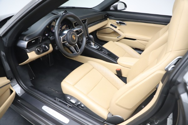Used 2017 Porsche 911 Targa 4S for sale $123,900 at Maserati of Greenwich in Greenwich CT 06830 23