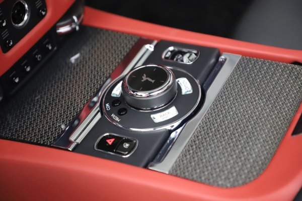 Used 2019 Rolls-Royce Dawn Black Badge for sale $355,900 at Maserati of Greenwich in Greenwich CT 06830 27