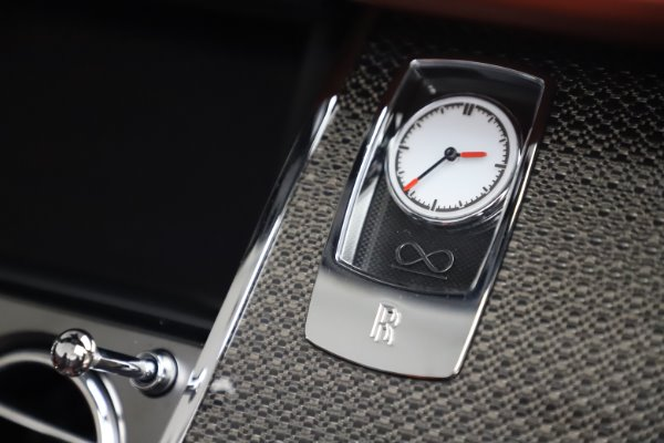 Used 2019 Rolls-Royce Dawn Black Badge for sale $355,900 at Maserati of Greenwich in Greenwich CT 06830 28
