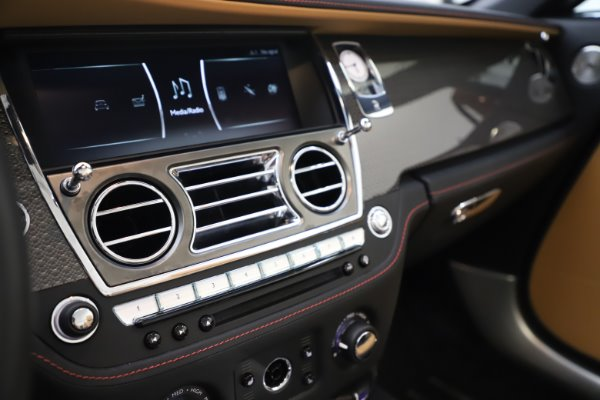Used 2019 Rolls-Royce Dawn Black Badge for sale $349,900 at Maserati of Greenwich in Greenwich CT 06830 26