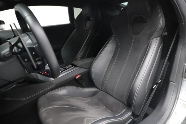 Used 2017 Lamborghini Huracan LP 580-2 for sale $179,900 at Maserati of Greenwich in Greenwich CT 06830 14