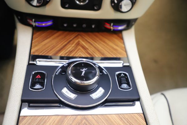 Used 2015 Rolls-Royce Wraith for sale Sold at Maserati of Greenwich in Greenwich CT 06830 17