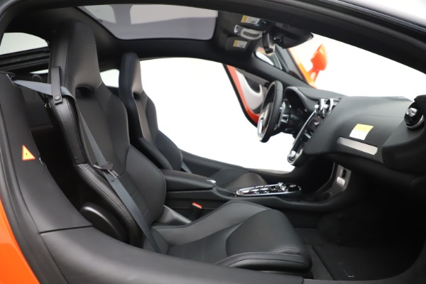 New 2020 McLaren GT Luxe for sale $246,975 at Maserati of Greenwich in Greenwich CT 06830 20