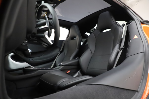 New 2020 McLaren GT Luxe for sale $246,975 at Maserati of Greenwich in Greenwich CT 06830 21