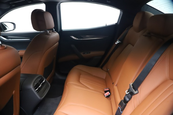New 2020 Maserati Ghibli S Q4 for sale $85,535 at Maserati of Greenwich in Greenwich CT 06830 19