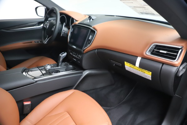New 2020 Maserati Ghibli S Q4 for sale $85,535 at Maserati of Greenwich in Greenwich CT 06830 22