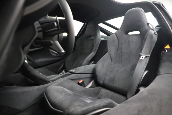 New 2020 McLaren 720S Coupe for sale $327,370 at Maserati of Greenwich in Greenwich CT 06830 17