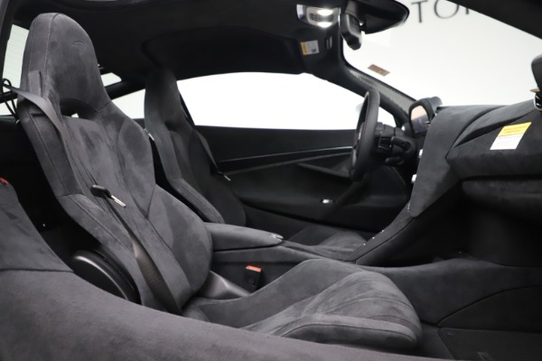 New 2020 McLaren 720S Coupe for sale $327,370 at Maserati of Greenwich in Greenwich CT 06830 19