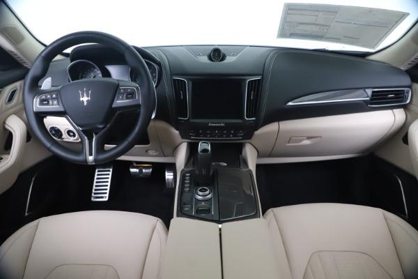 New 2020 Maserati Levante S Q4 GranLusso for sale $97,335 at Maserati of Greenwich in Greenwich CT 06830 16