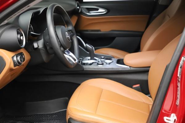 Used 2020 Alfa Romeo Giulia Q4 for sale $34,900 at Maserati of Greenwich in Greenwich CT 06830 14