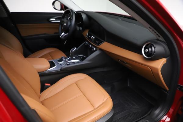 Used 2020 Alfa Romeo Giulia Q4 for sale $34,900 at Maserati of Greenwich in Greenwich CT 06830 20