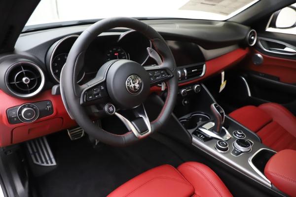 New 2020 Alfa Romeo Giulia Ti Sport Q4 for sale $51,995 at Maserati of Greenwich in Greenwich CT 06830 13