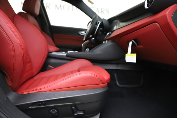 New 2020 Alfa Romeo Giulia Ti Sport Q4 for sale $51,995 at Maserati of Greenwich in Greenwich CT 06830 24