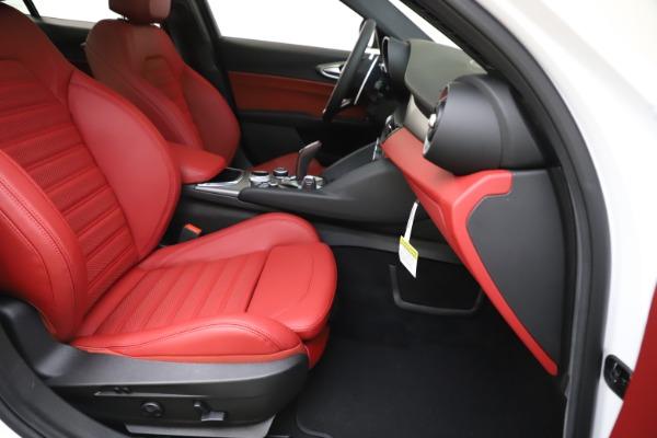 New 2020 Alfa Romeo Giulia Ti Sport Q4 for sale $51,995 at Maserati of Greenwich in Greenwich CT 06830 25
