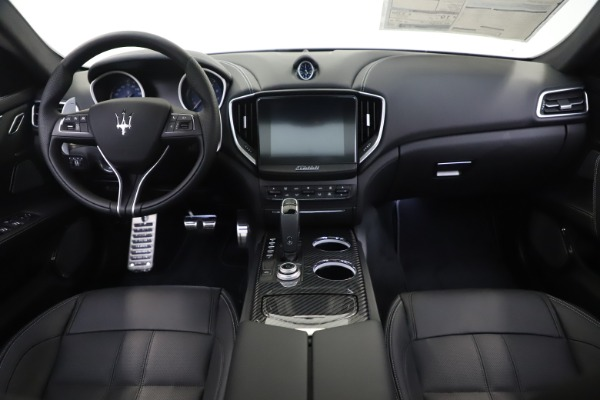New 2019 Maserati Ghibli SQ4 GranSport for sale $100,695 at Maserati of Greenwich in Greenwich CT 06830 16