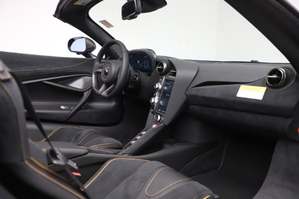 New 2020 McLaren 720S Spider Performance for sale $384,930 at Maserati of Greenwich in Greenwich CT 06830 25