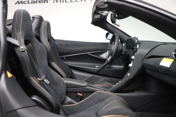 New 2020 McLaren 720S Spider Performance for sale $384,930 at Maserati of Greenwich in Greenwich CT 06830 26