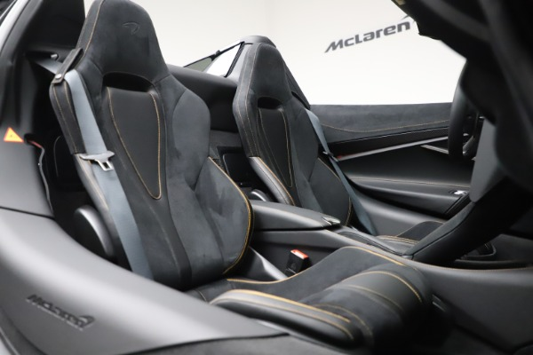 New 2020 McLaren 720S Spider Performance for sale $384,930 at Maserati of Greenwich in Greenwich CT 06830 27
