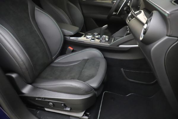 New 2020 Alfa Romeo Stelvio Quadrifoglio for sale $88,845 at Maserati of Greenwich in Greenwich CT 06830 24