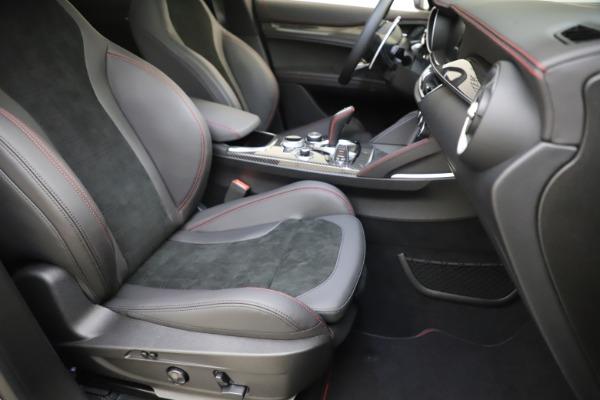 New 2020 Alfa Romeo Stelvio Quadrifoglio for sale $88,390 at Maserati of Greenwich in Greenwich CT 06830 24