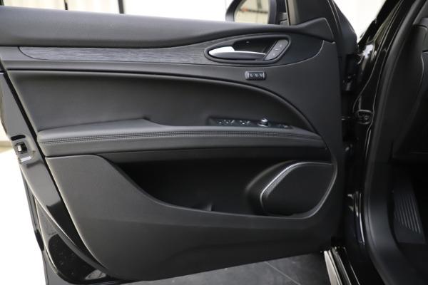 New 2020 Alfa Romeo Stelvio Sport Q4 for sale $49,695 at Maserati of Greenwich in Greenwich CT 06830 17