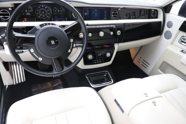 Used 2013 Rolls-Royce Phantom for sale Sold at Maserati of Greenwich in Greenwich CT 06830 12