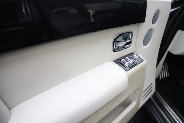 Used 2013 Rolls-Royce Phantom for sale Sold at Maserati of Greenwich in Greenwich CT 06830 13