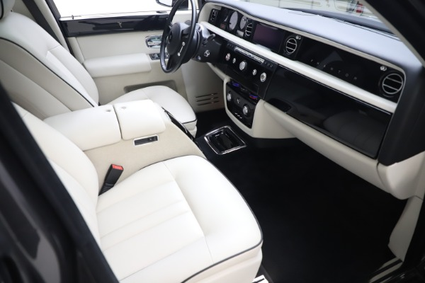 Used 2013 Rolls-Royce Phantom for sale Sold at Maserati of Greenwich in Greenwich CT 06830 16