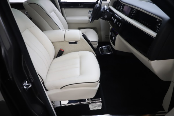 Used 2013 Rolls-Royce Phantom for sale Sold at Maserati of Greenwich in Greenwich CT 06830 18