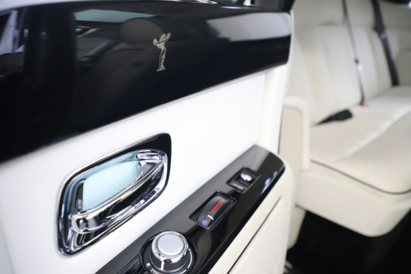 Used 2013 Rolls-Royce Phantom for sale Sold at Maserati of Greenwich in Greenwich CT 06830 22