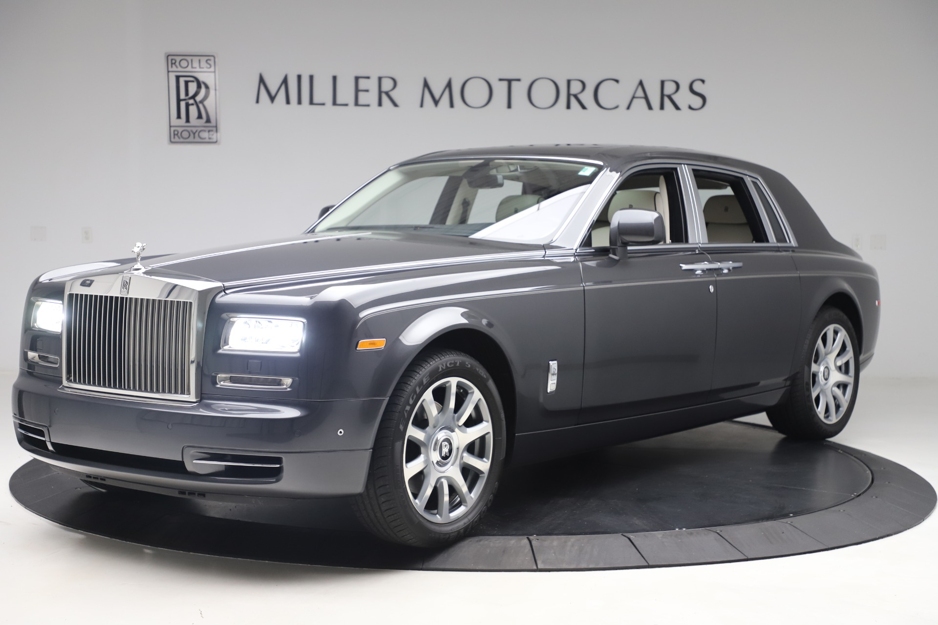 Used 2013 Rolls-Royce Phantom for sale Sold at Maserati of Greenwich in Greenwich CT 06830 1
