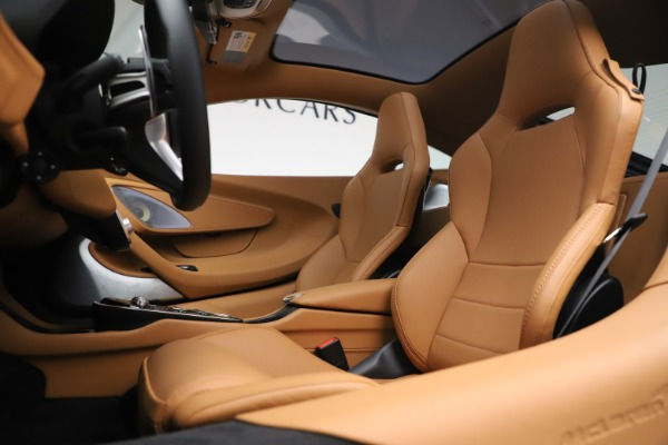 New 2020 McLaren GT Luxe for sale $236,675 at Maserati of Greenwich in Greenwich CT 06830 16