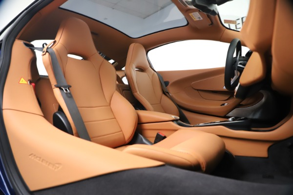 New 2020 McLaren GT Luxe for sale $244,675 at Maserati of Greenwich in Greenwich CT 06830 20