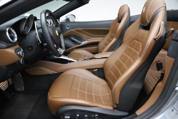 Used 2016 Ferrari California T for sale $142,900 at Maserati of Greenwich in Greenwich CT 06830 26
