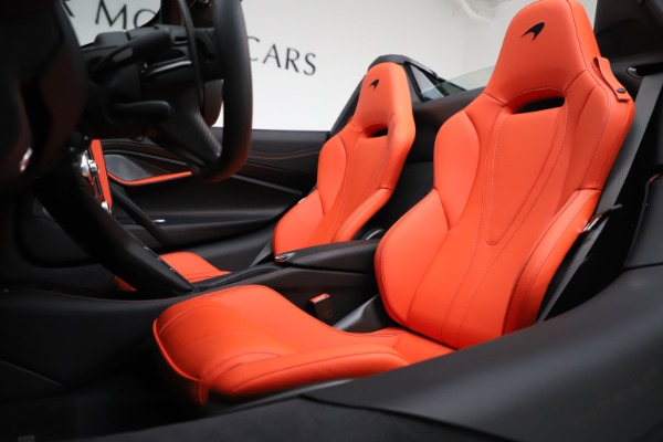 New 2020 McLaren 720S Spider Performance for sale $386,289 at Maserati of Greenwich in Greenwich CT 06830 21